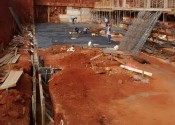 17/06/19 - Vista da execução da fundação de periferia.