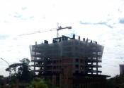 17/06/19 - Vista externa do edifício, durante a execução dos pilares do 8° pavimento.