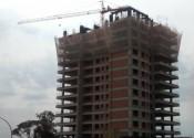 19/08/19 - Vista externa do edifício, durante a execução dos pilares do 13° pavimento.