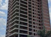 18/11/19 - Vista da obra durante a execução da estrutura de pilares do 20° andar na projeção da torre.