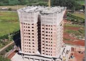 16/03/20 – Vista da torre durante a execução dos pilares do 15º andar