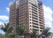 17/04/20 – Vista da torre durante a execução dos pilares do 16º andar.